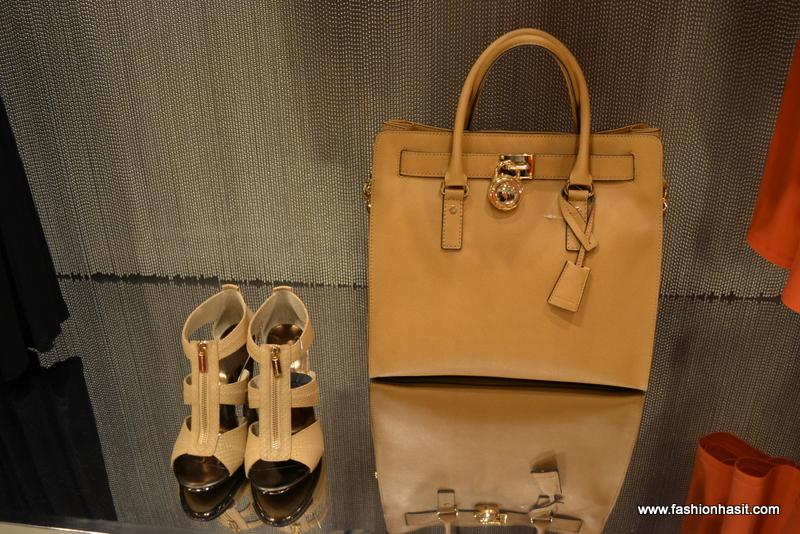Michael Kors   Golden Hall SS 2012.. - Fashion Has It.. f54f86dac18